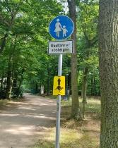 Dann noch Streckenmarkierung im Park_5